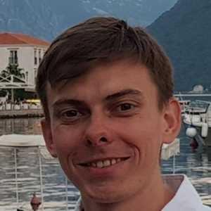 Alex Slutski Software Developer at DiRoots